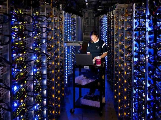 Hardware Mining là hình thức khai thác Bitcoin dựa vào phần cứng