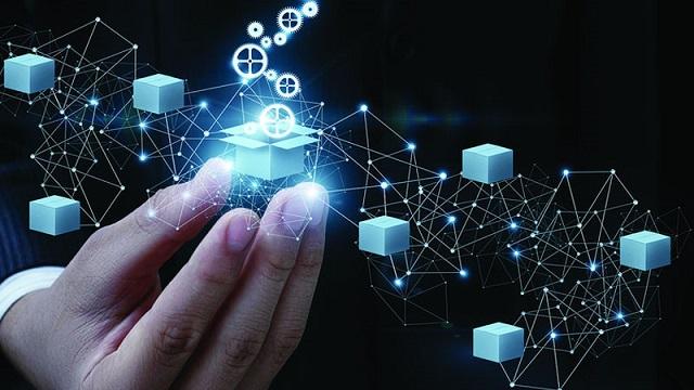 Mỗi Blockchain hoạt động tương tự như một hệ thống dữ liệu phân tán không chịu sự quản lý của bất kỳ một cơ quan nào