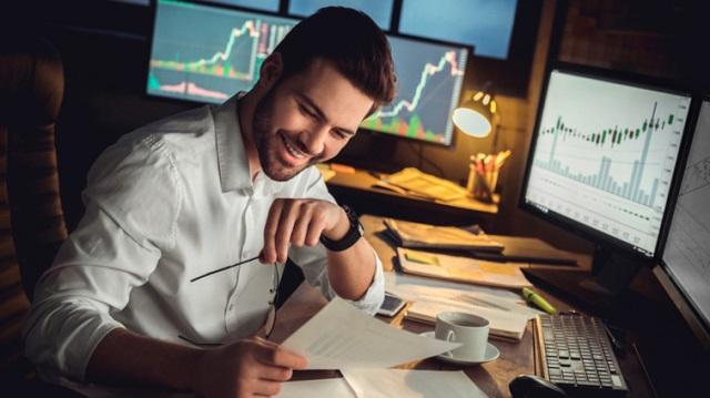 Một trader đầu tư tự do hoàn không bị phụ thuộc bởi thời gian hay không gian làm việc