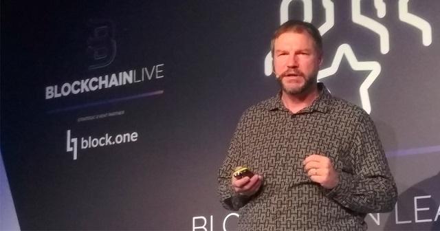 Nick Szabo từng đưa ra ý tưởng đồng tiền mã hóa tương tự như Bitcoin