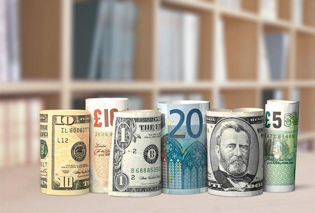 Định giá tiền tệ ảnh hưởng không nhỏ đến chỉ số vốn hoá S&P 500