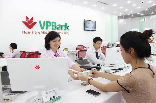 Ngân hàng VPBank có chính sách vay thế chấp sổ đỏ cực kỳ tốt dành cho khách hàng bao gồm lãi suất thấp, hồ sơ vay vốn đơn giản, thời gian vay linh hoạt,...