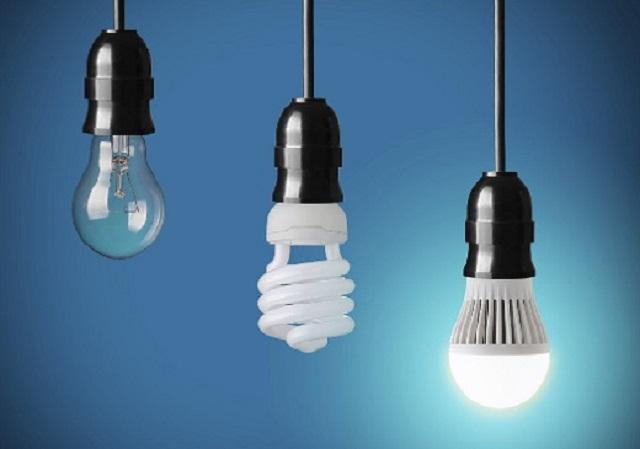Sử dụng đèn Compact thay cho các loại đèn có công suất lớn sẽ là một biện pháp tiết kiệm hoàn hảo dành cho bạn