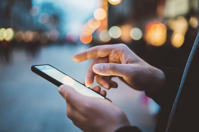 Xác thực thông qua tin nhắn có ưu điểm là không yêu cầu phải cài đặt thêm ứng dụng